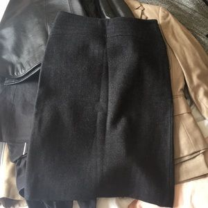 Size 2 wool pencil skirt - cute and high quality